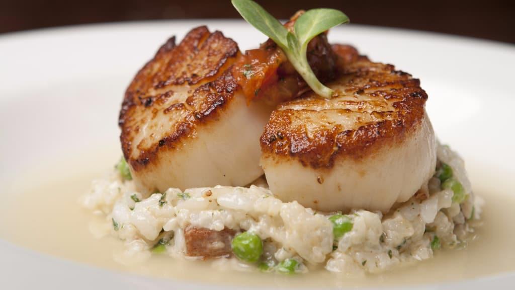 what do scallops taste like definitive guide  medmunch